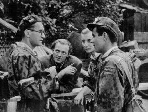 Jerzy Zarzycki (w okularach) podczas Powstania Warszawskiego