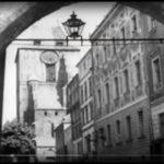 """""""Ludzie Wisły"""", kadr z filmu, widok na katedrę, Toruń"""
